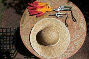 good hat and gardening equipment are good gardening business ideas to keep you in business
