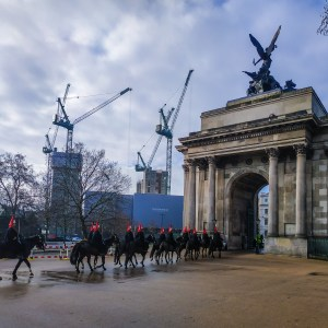 Dragoons riding under the Wellington Arch