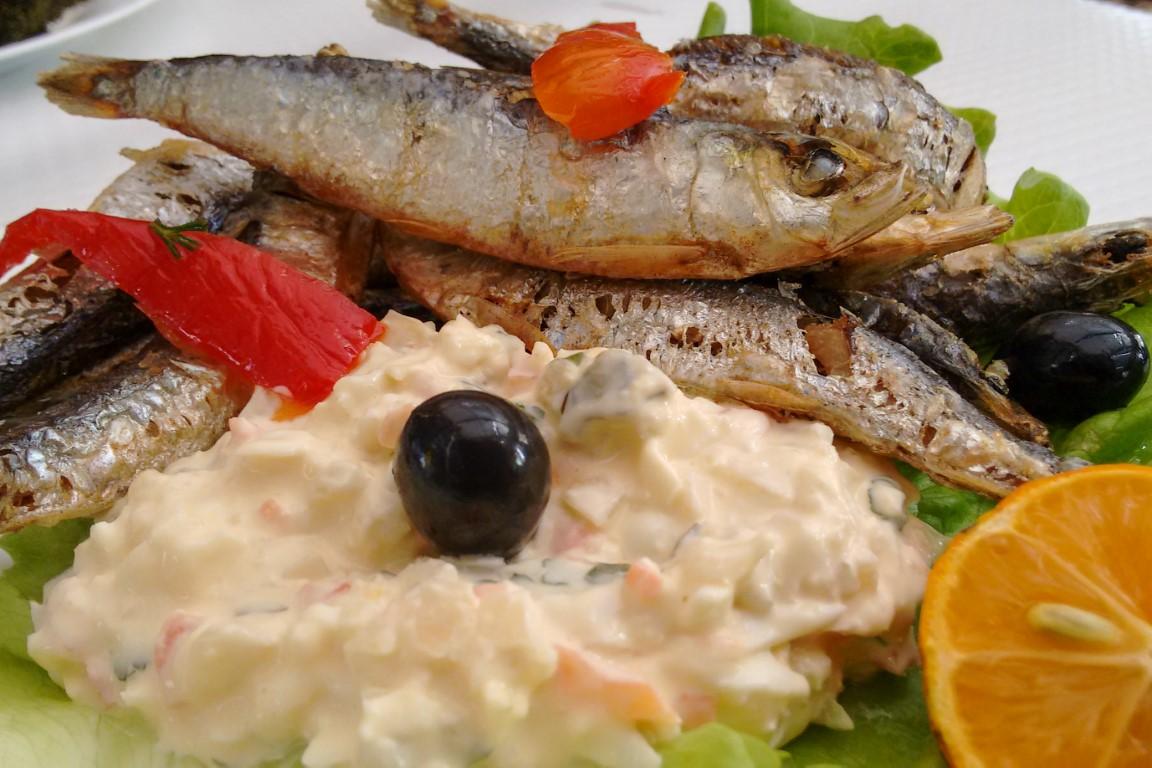 Comer petinga ou sardinha dos Açores