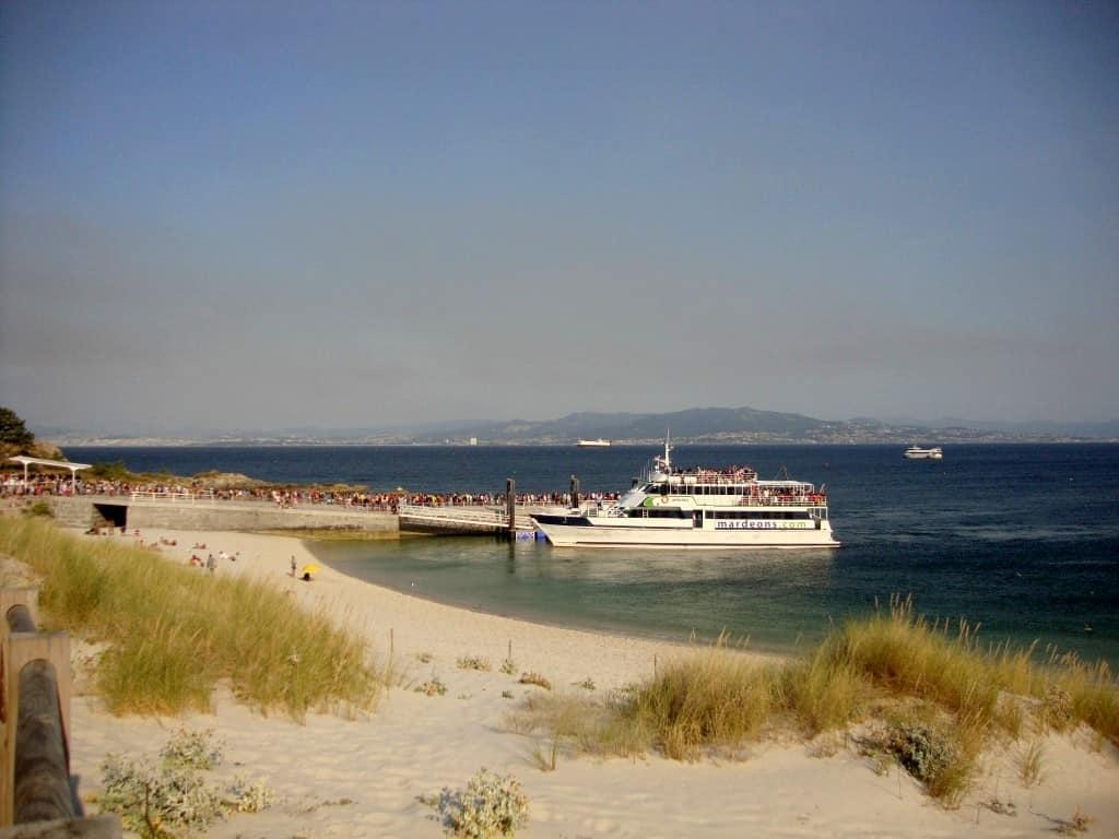 Perspetiva do ancoradouro, junto ao qual fica o Restaurante Rodas, ilhas cíes