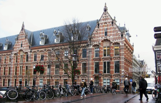 Companhia Holandesa das Índias Orientais, Amesterdão