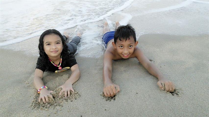 baring di pantai batu buruk