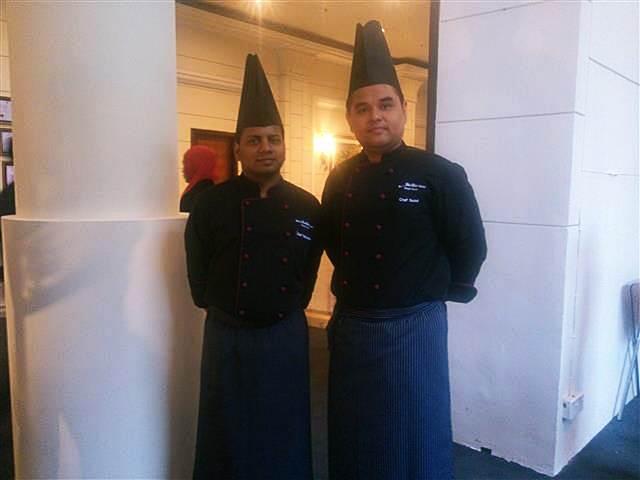 Chef Nuzul dan Chef Radha yang bertanggungjawab untuk pilihan masakan