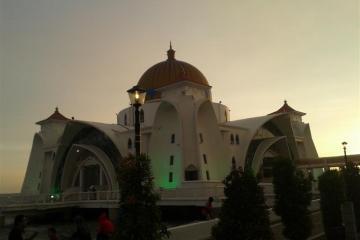 perkaragan-masjid-selat-melaka