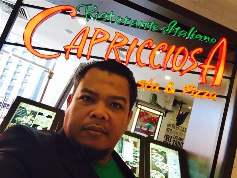 selfie depan capricciosa
