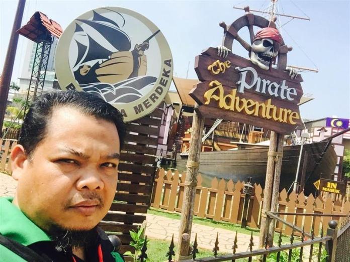 melaka-alive-the-pirate-adventure-selfie