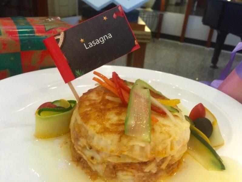 hi-tea-krismas-hotel-grand-bluewave-shah-alam-lasagna