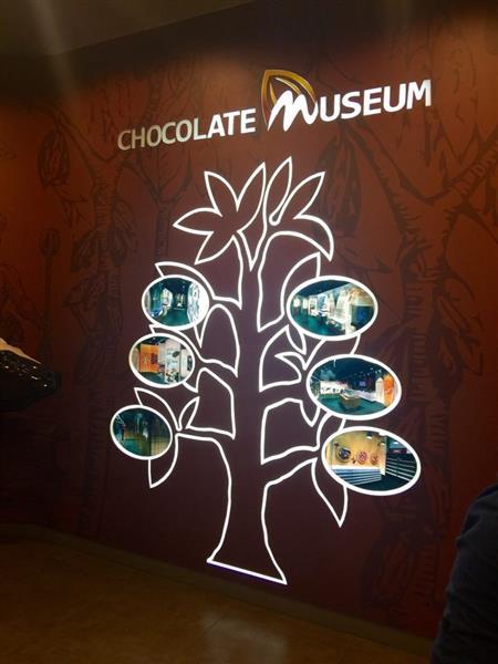 chocolate-museum-kota-damansara-wall-deco