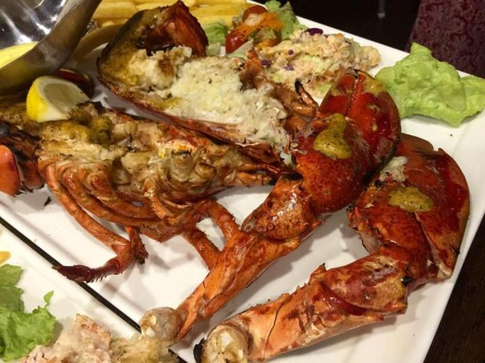 Kaffir And Lemongrass Roasted American Lobster (RM 98.00 / RM 195.00)