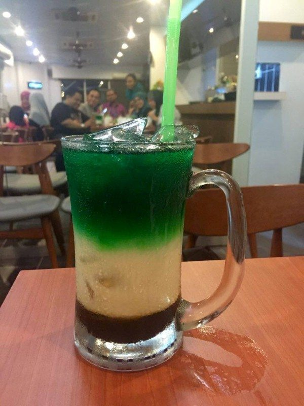 signature drink Restoran The Chef Shah Alam - Air Pndan 3 Layers