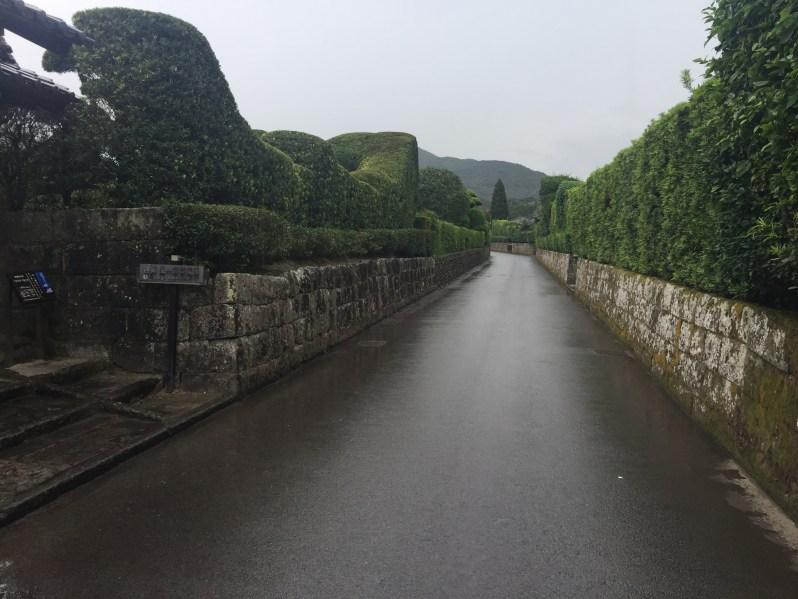 semua lorong dibina dengan tidak nampak hujungnya