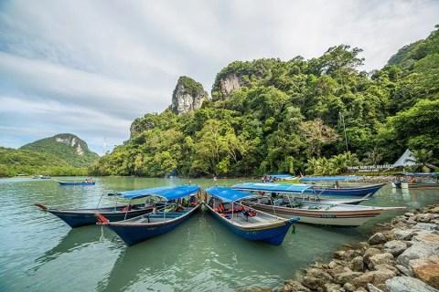 Hidden Lake in Dayang Bunting Geoforest Park – Langkawi, Malaysia