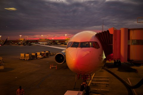 10 Hacks I Use To Find Cheaper Flights