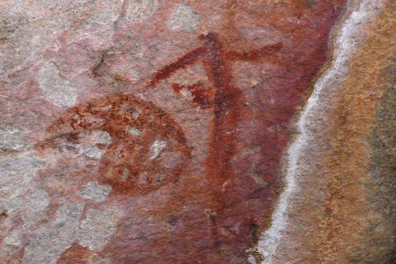 Tsodilo Hills Botswana - ExplorationVacation - P9150023 man and sun drawing