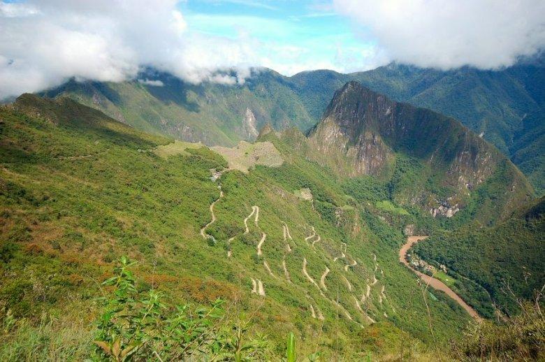 Machu Picchu Peru - ExplorationVacation 2005-12-31_09_56_24_0