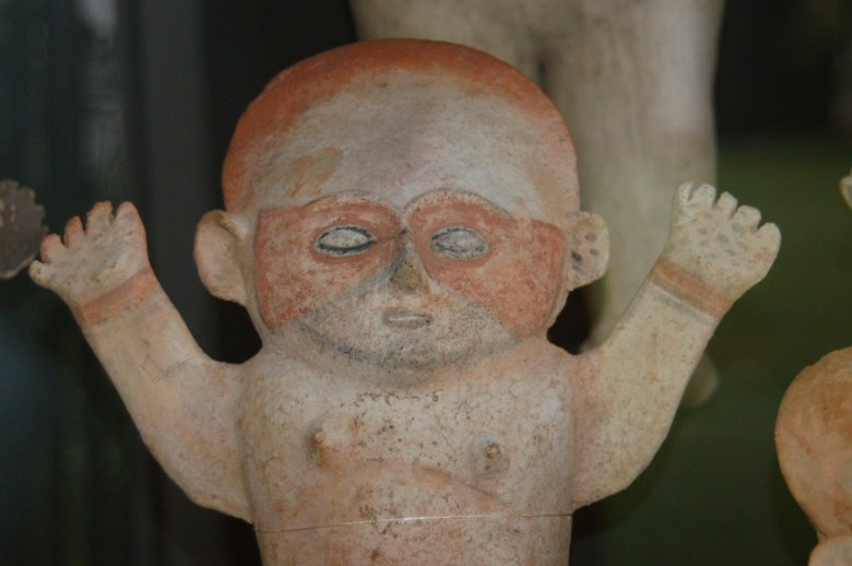 Peruvian pottery Lima - ExplorationVacation 2005-12-27_15_43_59