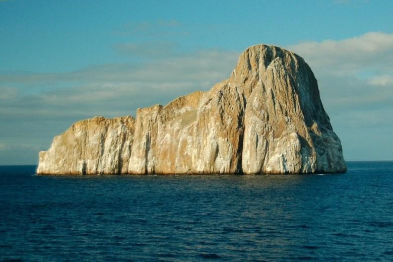 Galapagos Kicker Rock - ExplorationVacation 2006-01-04_17_58_59