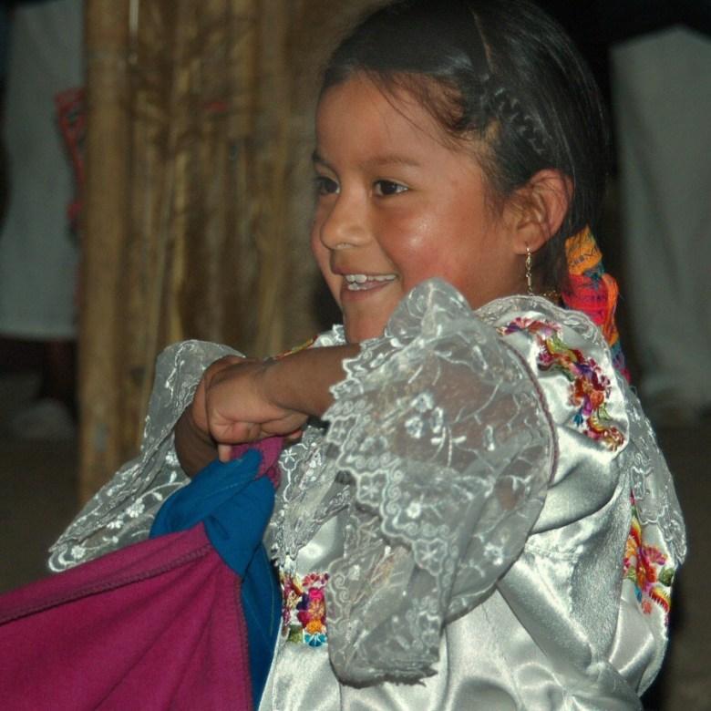 Little dancers Ecuador -ExplorationVacation 2006-01-03_14_14_16