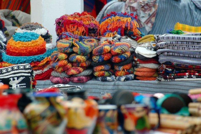 market in Ecuador -ExplorationVacation 2006-01-03_12_16_58