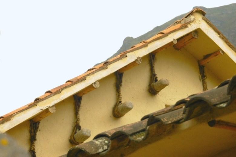 Peru - ExplorationVacation 2006-01-01_12_23_30 roof detail_2