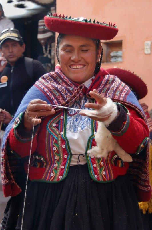 Weaving in Peru - ExplorationVacation 2006-01-01_09_30_58