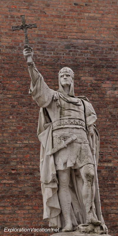 Victory Ave statues 16 - Albert the Bear at Spandau DSC_7814