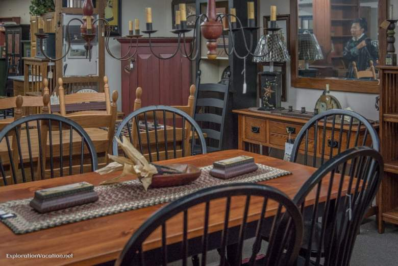 Antique shop in Townsend Massachusetts - ExplorationVacation - ExplorationVacation.net