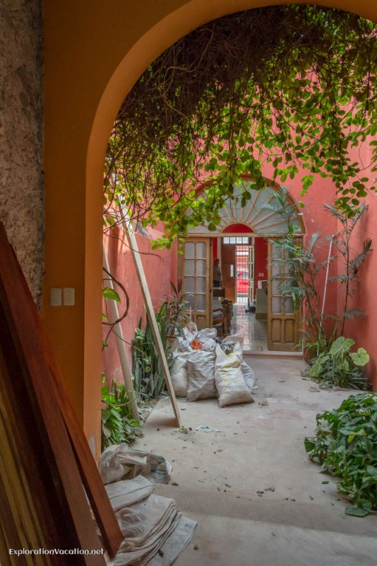 Merida Mexico house tour in house under construction- 20 ExplorationVacation 20141125-DSC_8283