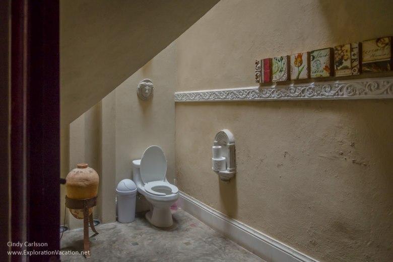 bathroom La Calle Escondida Merida
