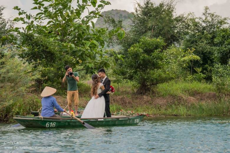 wedding pictures in Trang An Vietnam - www.ExplorationVacation.net