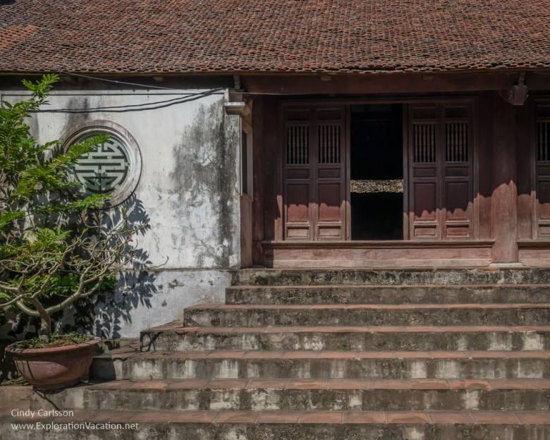 stairs Mia Pagoda Duong Lam village Vietnam - www.ExplorationVacation.net