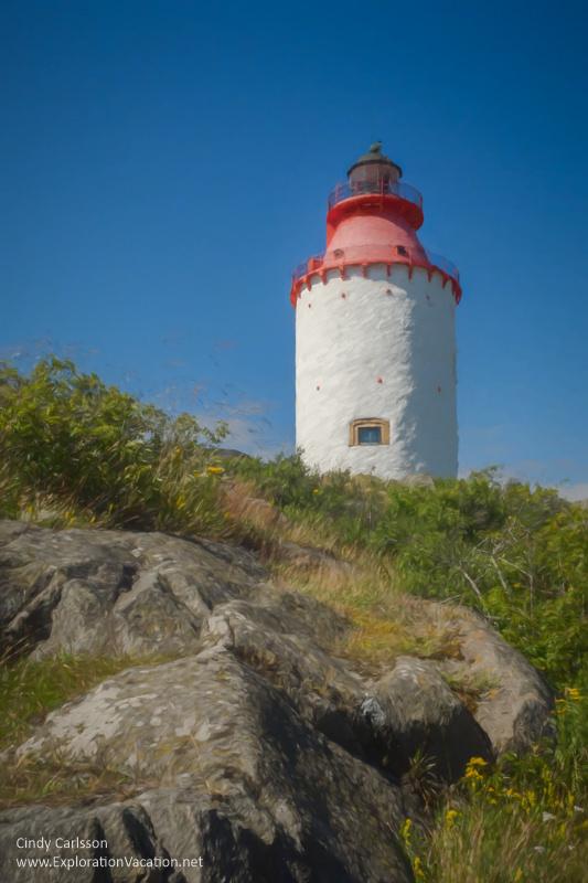 Painting of lovely #Landsort #Lighthouse on Oja Island in Sweden's Stockholm Archipelago - ExplorationVacation #visitsweden #swedishsummer #ojaisland
