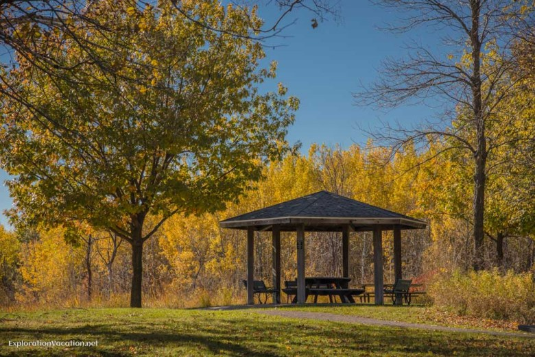 picnic area Fall in Minnesota's Frontenac State Park - www.ExplorationVacation.net