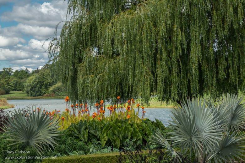 Lakeside gardens at the Chicago Botanic Garden - ExplorationVacation.net