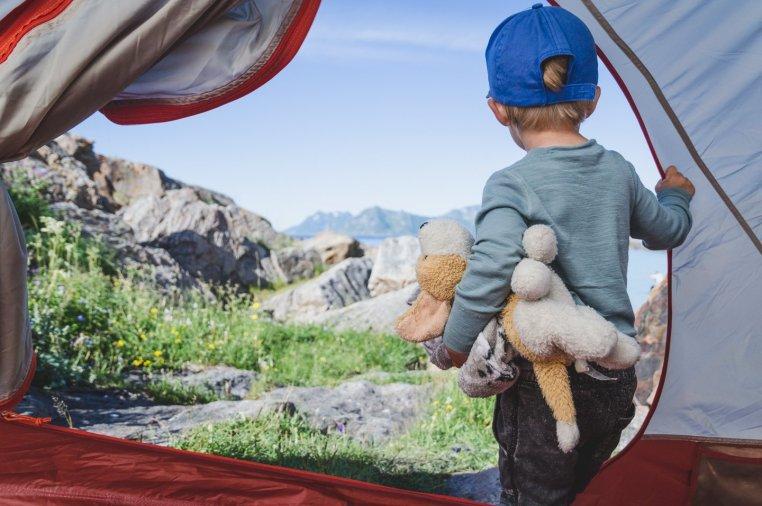 Tälta med barn på Lofoten - Amanda Matti © explorealittlemore.se
