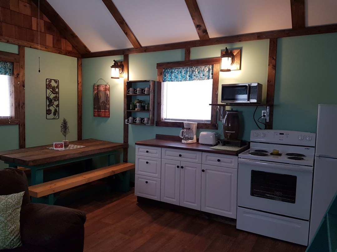 little-spruce-kitchen-and-dining-room