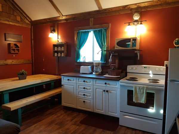 redwood-kitchen-and-dining-room