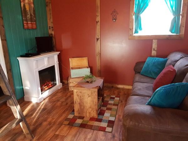 redwood-living-room