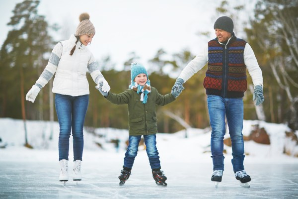family-ice-skating