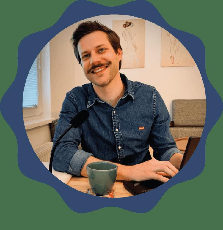 Learn German online with Dominik