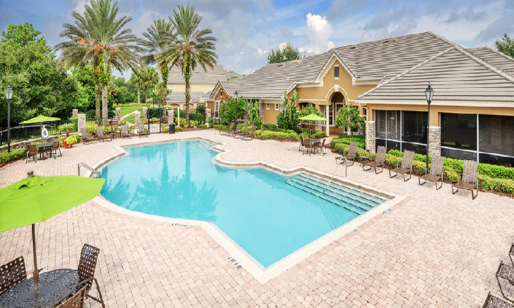 Colonial Grand at Lakewood Ranch Apartments pool