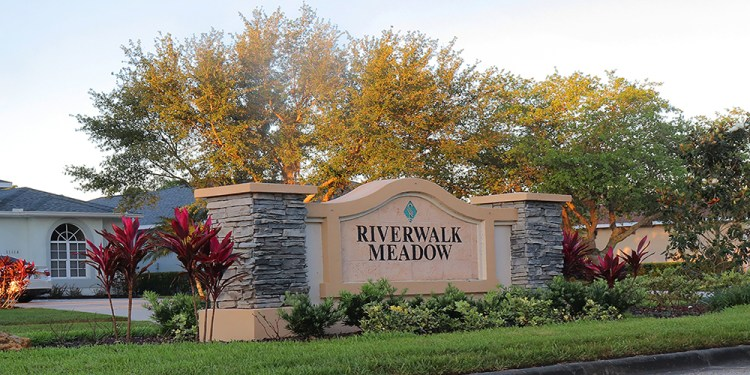 Riverwalk Meadow at Lakewood Ranch Entrance
