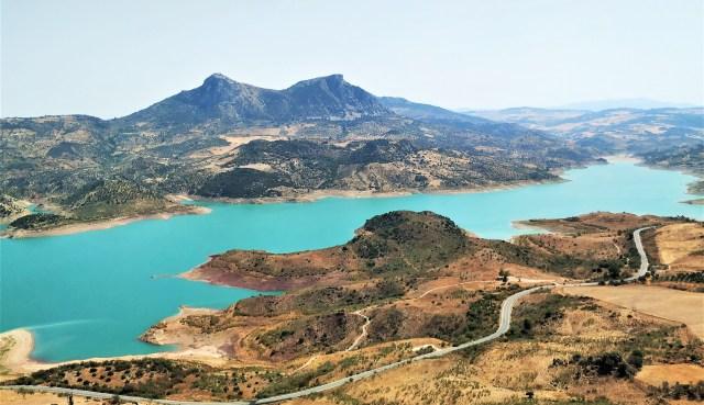 parques naturales en Cadiz, parque natural de Grazalema lago turquesa