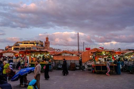 Emsiges Treiben auf dem Marktplatz