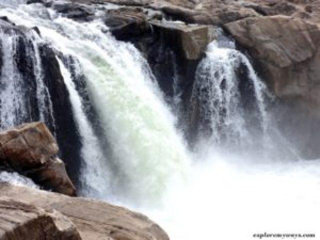 Dhunwadhar Waterfall of Bhedaghat