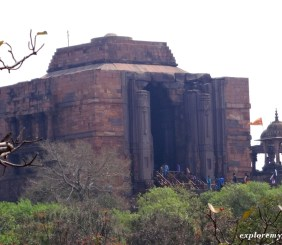 largest shivlinga at Bhojpur temples