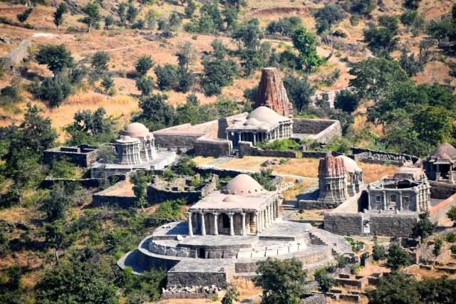 temples within the Kumbhalgarh fort premises
