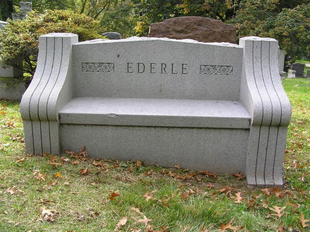 Ederle's grave in Woodlawn Cemetary