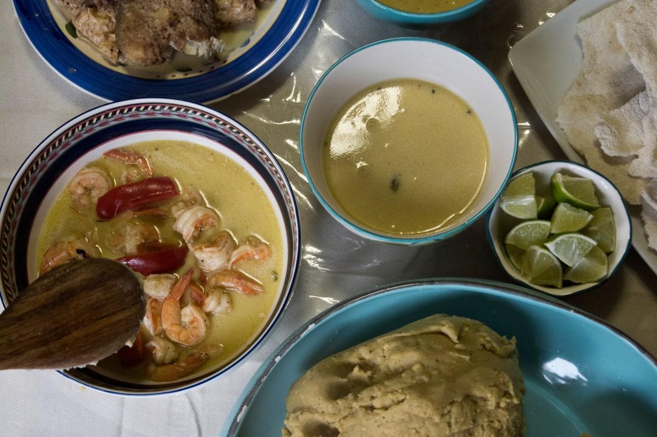 Hudutu and mashed plantains.