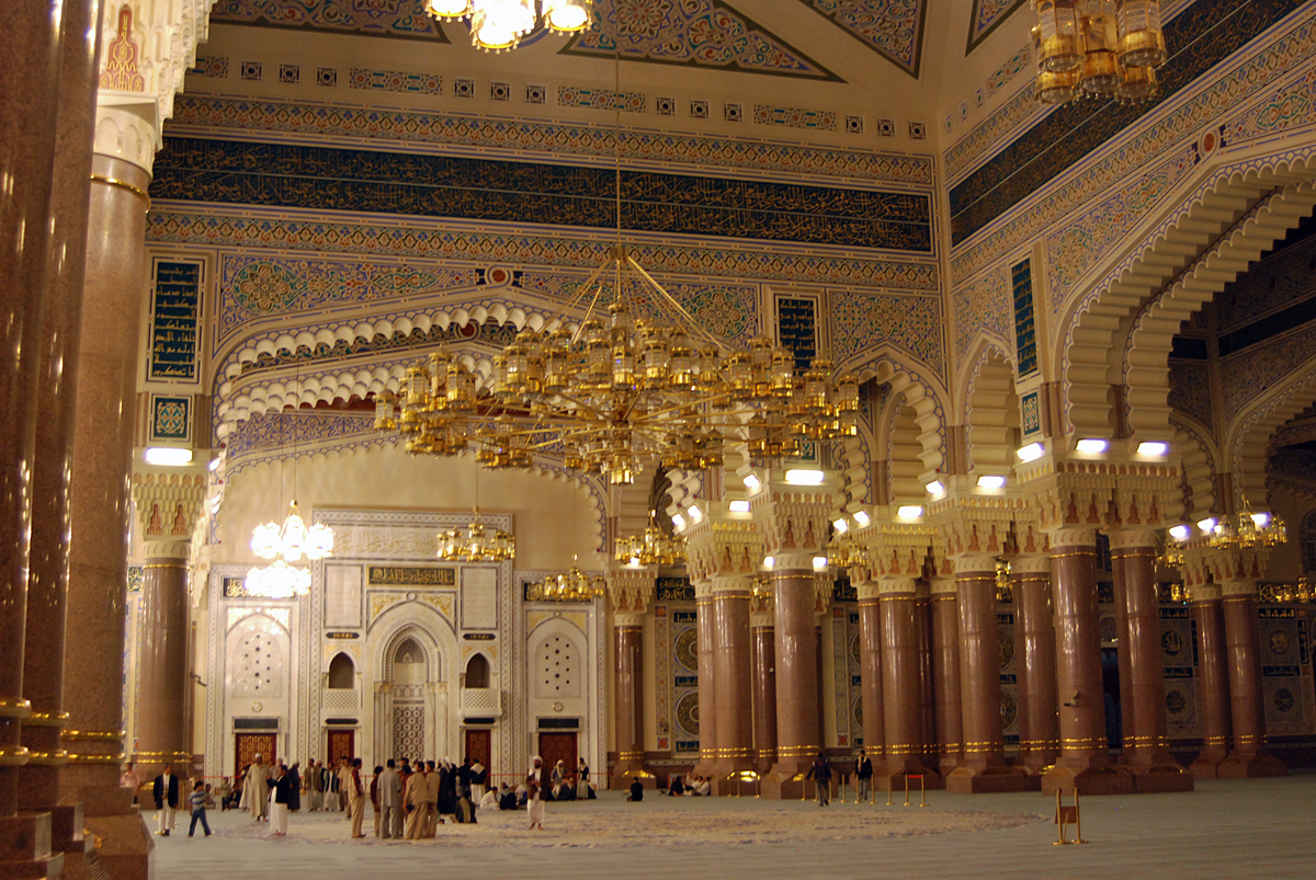 Inside the mosque which seats 20000 devotees....